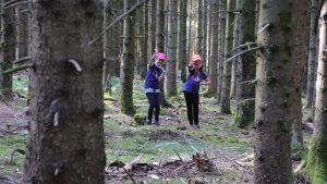 Geländespiele im Wald
