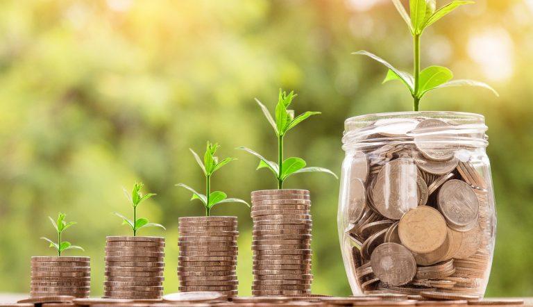 money-2724241_1920_Nattanan Kanchanaprat auf Pixabay