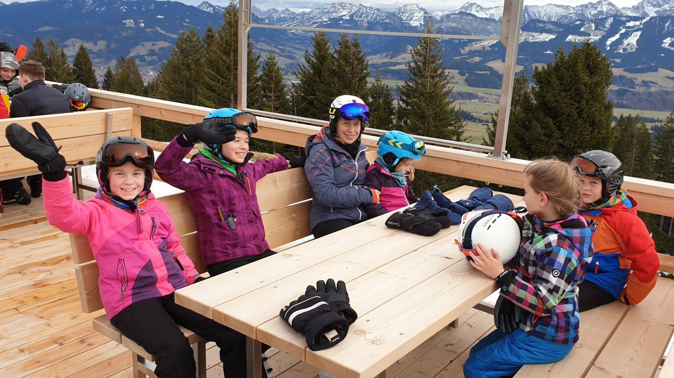 2019-02-27-Familien-Skifreizeit-Skifahren